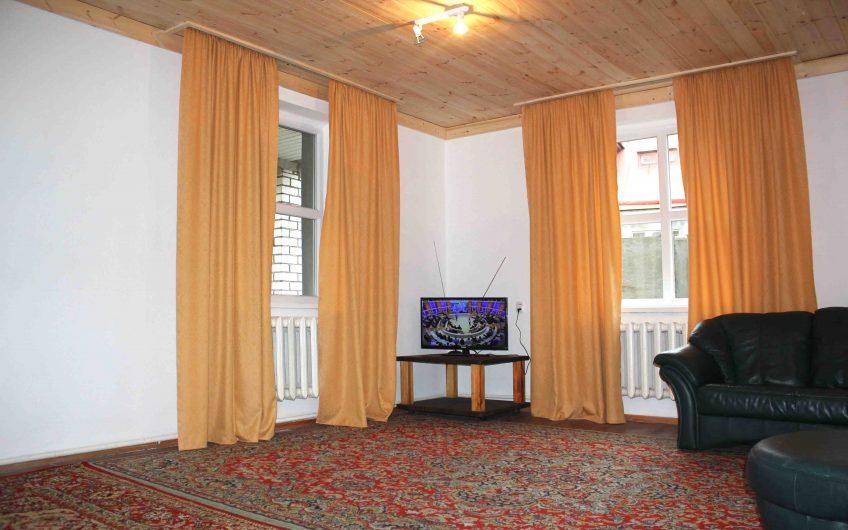 4-комнатная квартира, ул. Краснопартизанская, 9