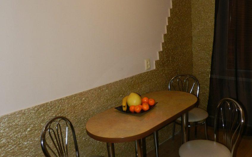 1-комнатная квартира, б-р Космонавтов, 63