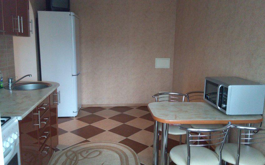 1-комнатная квартира, ул. Жукова, 8