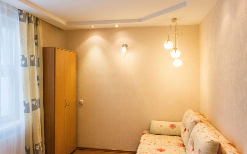 3-комнатная квартира, ул. Великоморская, 12